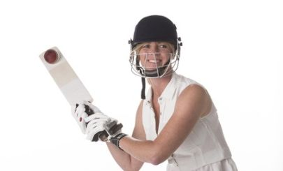 woman-playing-cricket